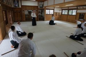 Fredrik sensei håller träning i Iwama.